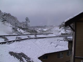 秋田県(後生掛温泉・部屋の窓から雪景色).JPG